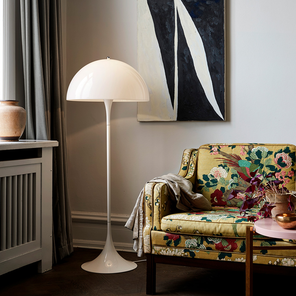 panthella_floor_lamp_hellerup.jpg